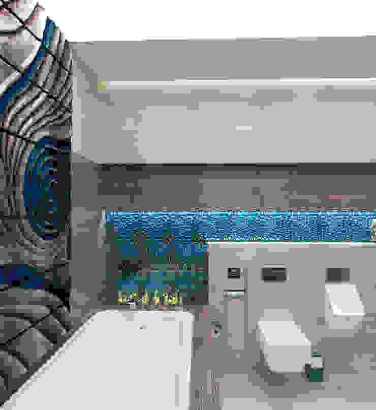 Ванная комната в загородном доме с биокамином Ванная комната в стиле модерн от Настасья Евглевская Модерн Керамика