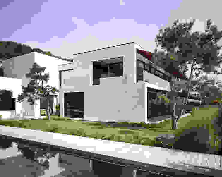 Casas de estilo  de meier architekten zürich, Moderno Hormigón