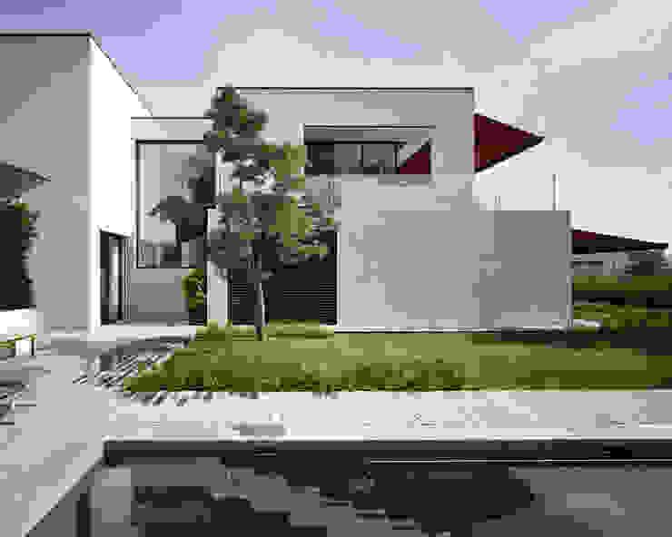 Casas modernas: Ideas, imágenes y decoración de meier architekten zürich Moderno Hormigón
