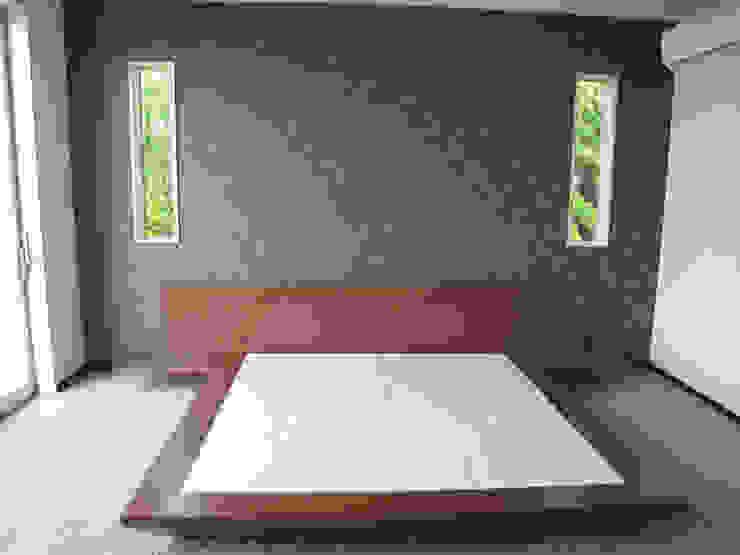T project モダンスタイルの寝室 の G*FRAME design co.,ltd. モダン 木 木目調