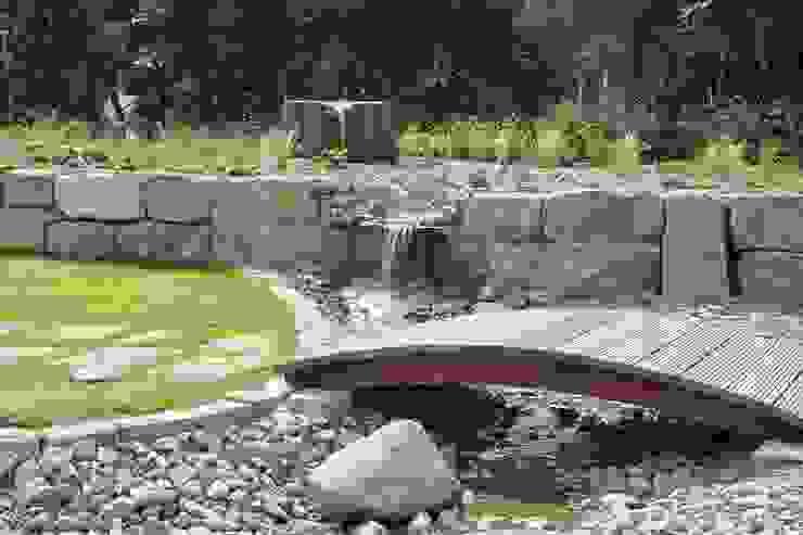 Traumhafter Privatgarten mit Schwimmteich:  Garten von OC|Lichtplanung,Mediterran