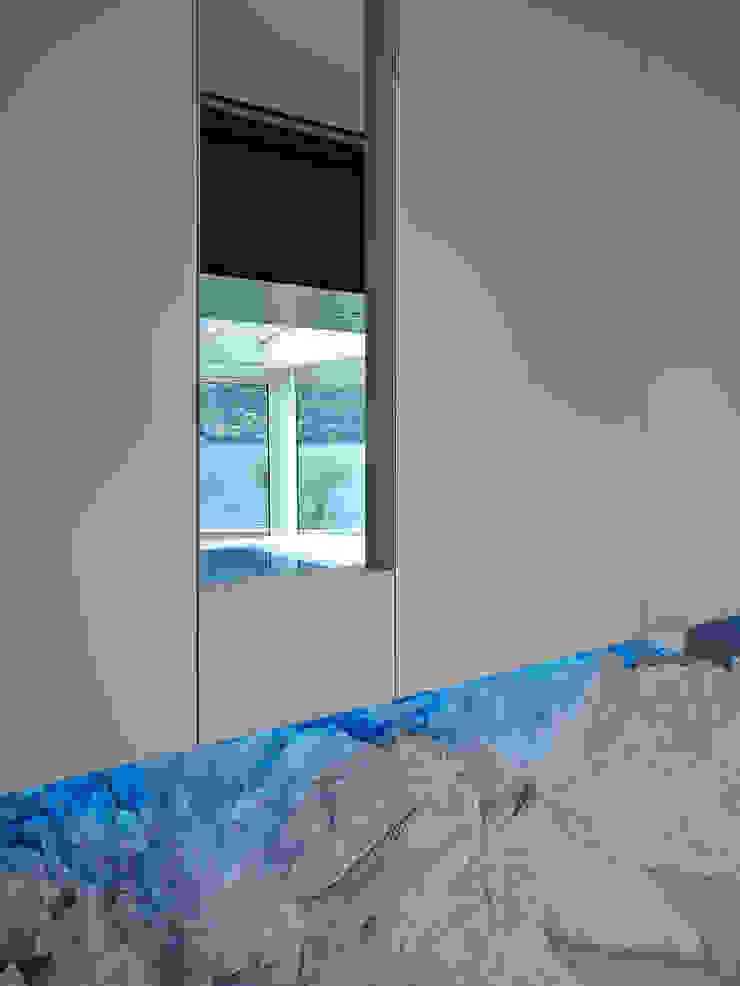 Spas de estilo moderno de arkham project Moderno