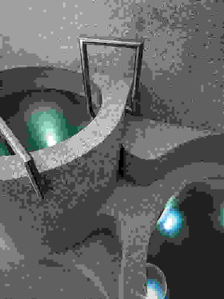 Spas de estilo moderno de arkham project Moderno Cerámico