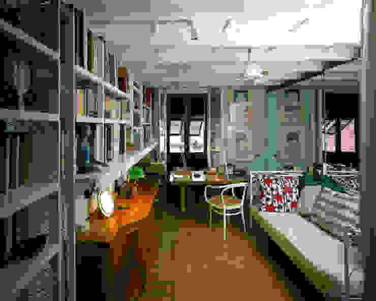 Abitazione a Brera, Milano Studio moderno di VITTORIO GARATTI ARCHITETTO Moderno