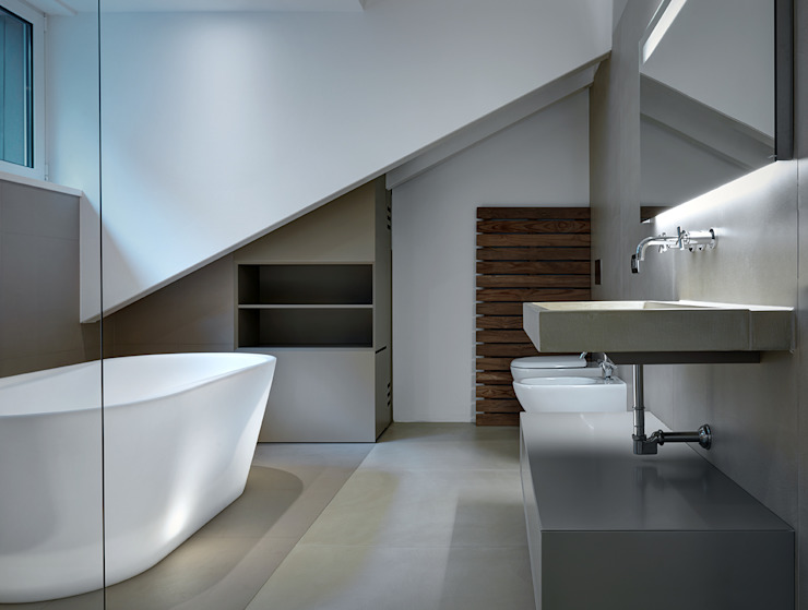 arkham project Modern bathroom