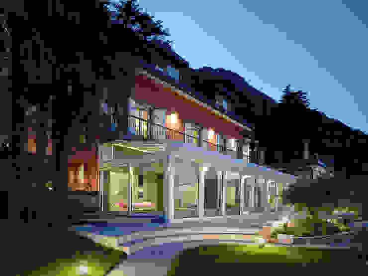 Casas estilo moderno: ideas, arquitectura e imágenes de arkham project Moderno