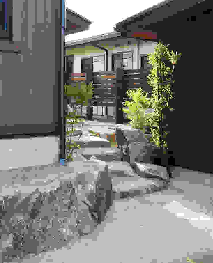 ■ Japanese Style・ジャパニーズスタイル アジア風 庭 の 株式会社アートカフェ 和風 石