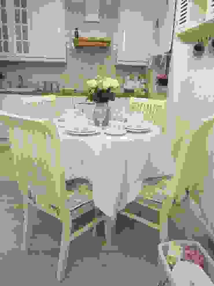 Ruang Makan Modern Oleh DreamHouse.info.pl Modern