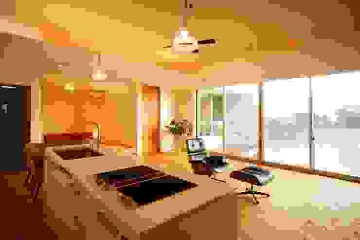 海の家Ⅰ モダンな キッチン の Y.Architectural Design モダン