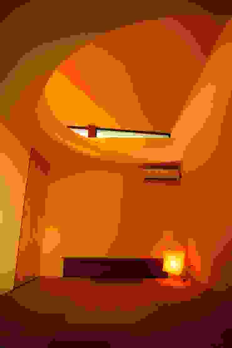 海の家Ⅰ モダンデザインの 多目的室 の Y.Architectural Design モダン