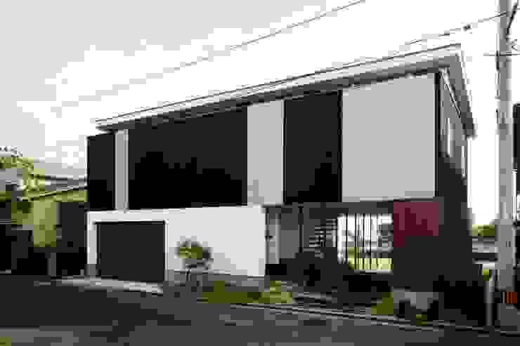 海の家Ⅰ モダンな 家 の Y.Architectural Design モダン