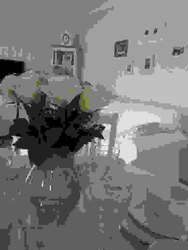 Modern dining room by DreamHouse.info.pl Modern