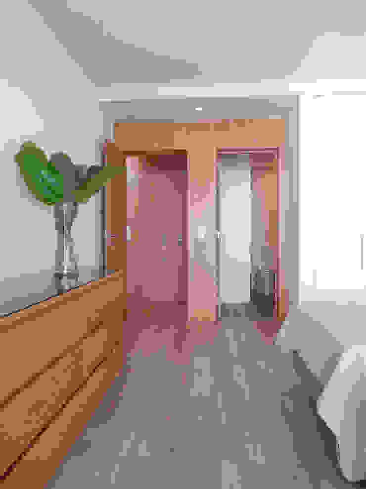AM Flat Quartos modernos por EMF arquitetura Moderno