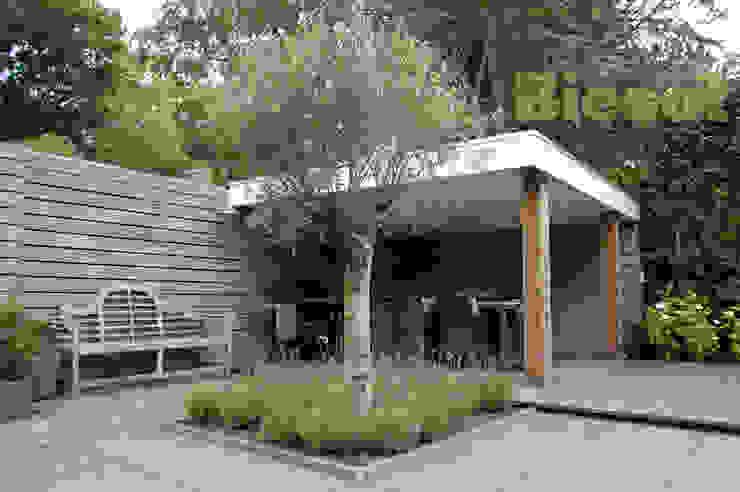 Overkapping tuin in bergen Moderne tuinen van Biesot Modern