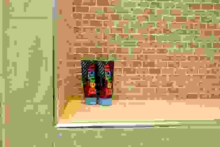 Ground Floor Extension, Hilton Ave London Building Renovation Modern bathroom