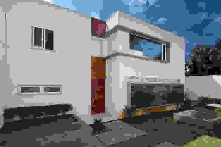 Casas modernas de Cactus Arquitetura e Urbanismo Moderno