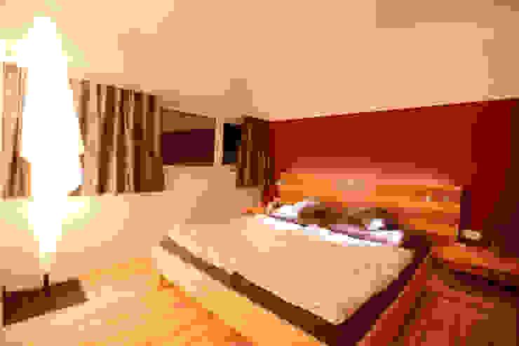 Modern style bedroom by Horst Steiner Innenarchitektur Modern