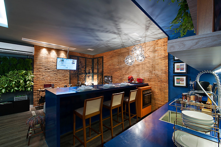 Apartamento do Homem Moderno - Morar Mais por Menos Vitoria 2015 Cozinhas modernas por Cristiane Locatelli Arquitetos & Associados Moderno