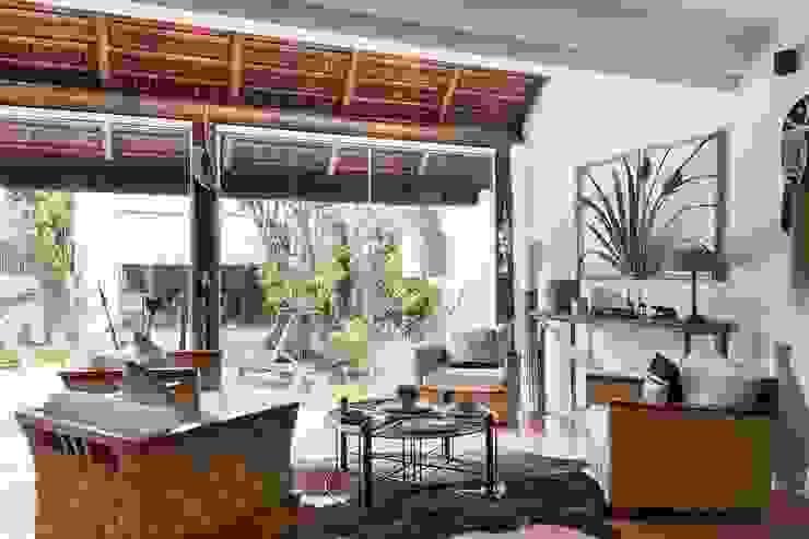 Balcones y terrazas mediterráneos de Cactus Arquitetura e Urbanismo Mediterráneo