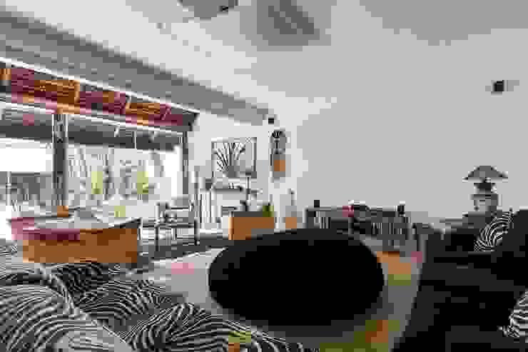 Livings de estilo mediterráneo de Cactus Arquitetura e Urbanismo Mediterráneo