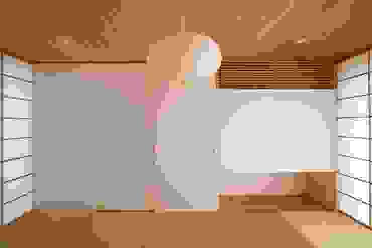 向原の家 クラシックデザインの 多目的室 の 向山建築設計事務所 クラシック