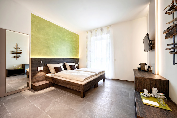 Minimalist bedroom by homify Minimalist