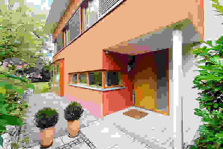 Doppel(t)haus in Gräfelfing Moderne Häuser von Architekturbüro Schaub Modern