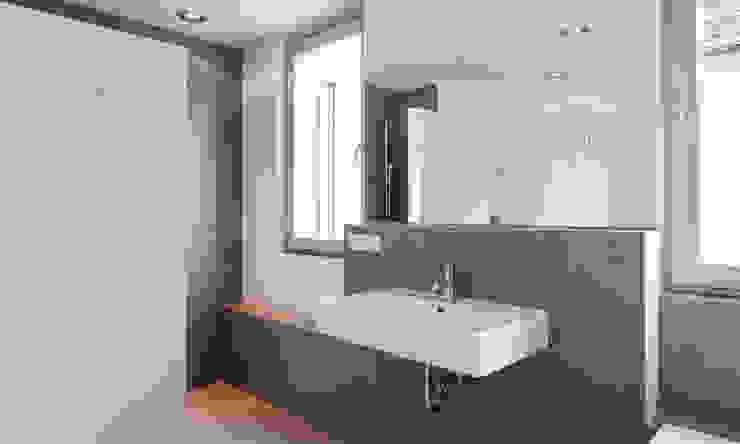 Gerokstraße Moderne Badezimmer von MuG Architekten Modern Keramik