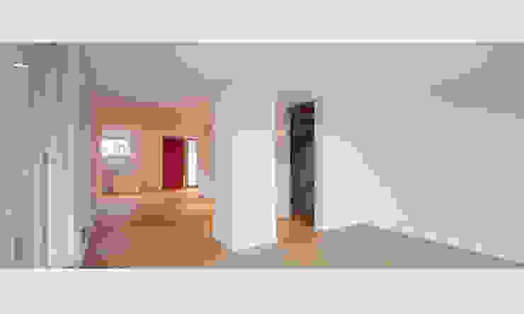 MuG Architekten Modern corridor, hallway & stairs
