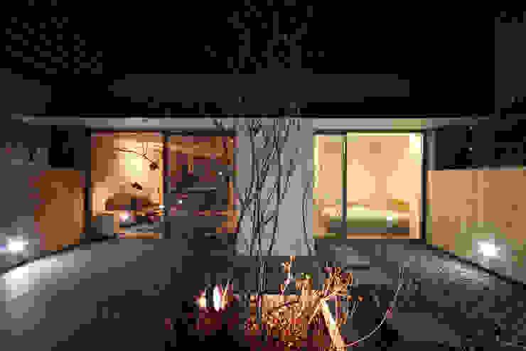 Balcones y terrazas de estilo moderno de 건축사사무소 moldproject Moderno Mármol