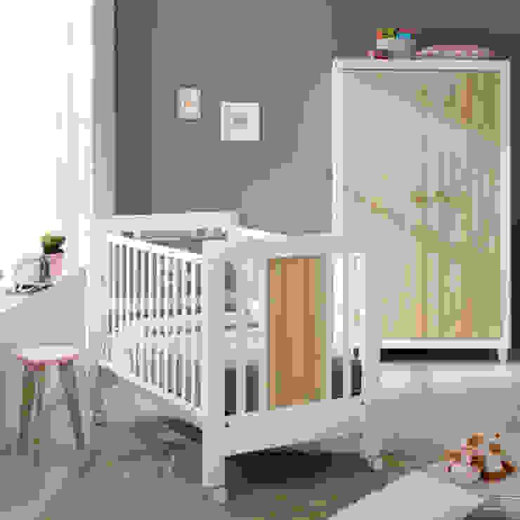 'Anouk' wooden baby cot by Pali homify Habitaciones infantilesCamas y cunas Madera Multicolor