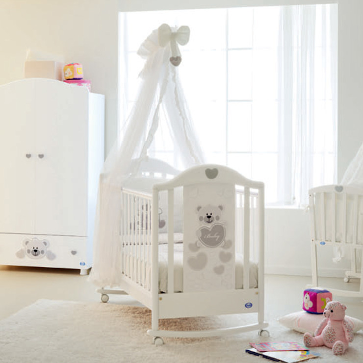 'Funny' White wooden baby cot with drawer by Pali: modern  by My Italian Living, Modern Wood Wood effect