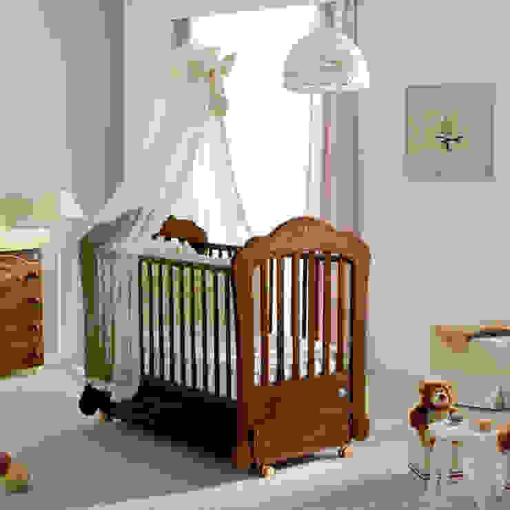 'Sofia' Wooden baby cot/cradle with rocking system by Pali por My Italian Living Moderno Madeira Acabamento em madeira