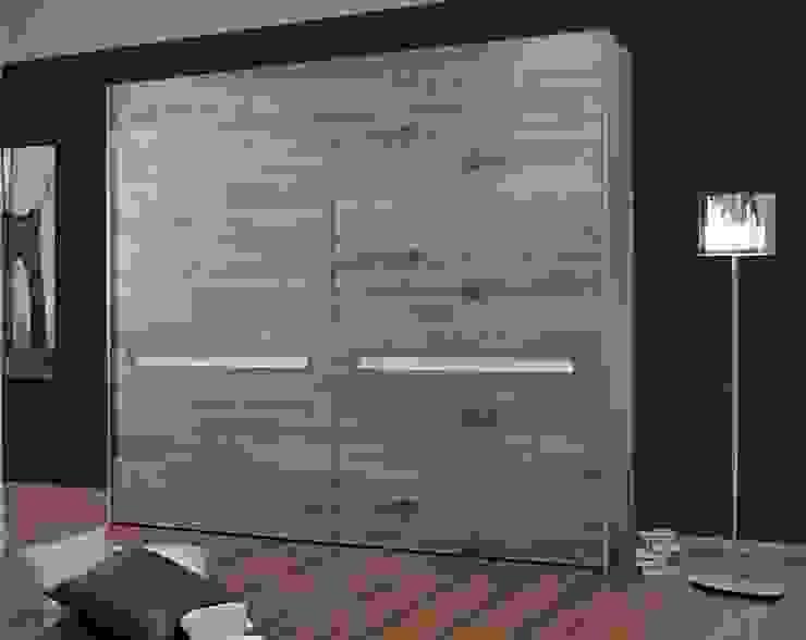 Armadio realizzato in legno Camera da letto moderna di CORDEL s.r.l. Moderno Legno massello Variopinto