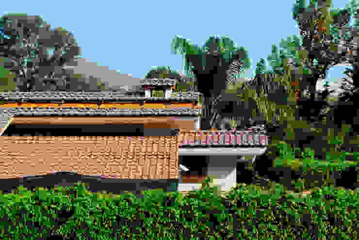 tejado Excelencia en Diseño Casas de estilo asiático Azulejos Marrón
