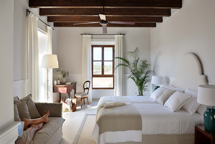 HOTEL CAL REIET – THE MAIN HOUSE Bloomint design Mediterranean style bedroom Beige