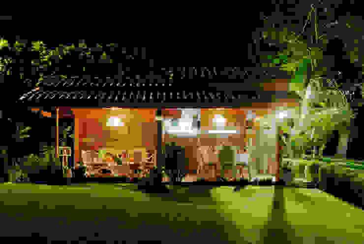 la terraza Excelencia en Diseño Balcones y terrazas de estilo asiático Derivados de madera