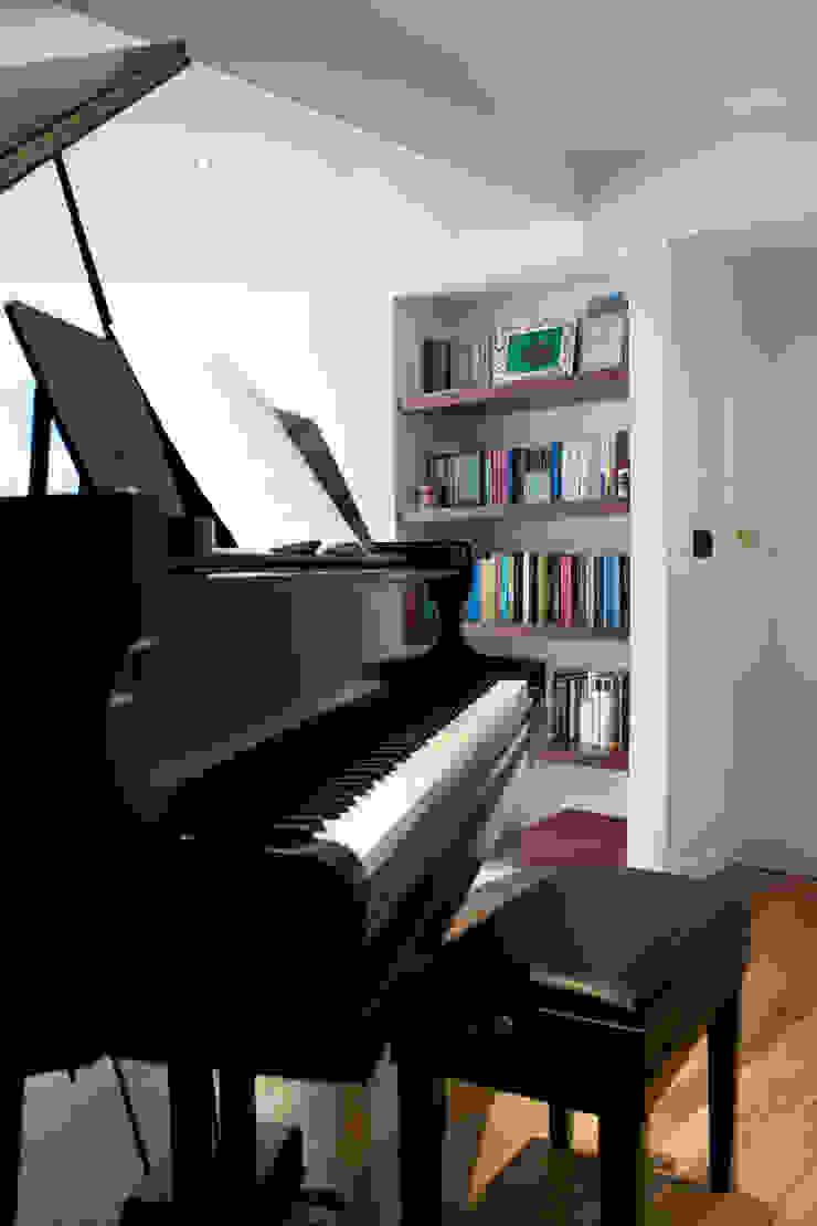 Laura Lucente Architetto ห้องนั่งเล่น