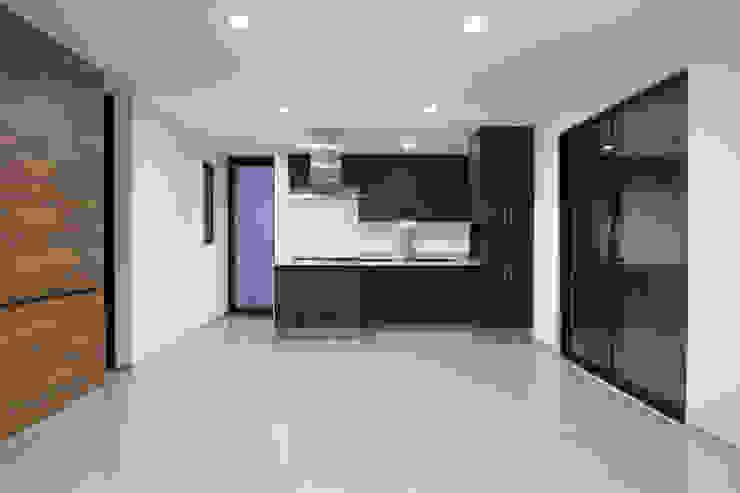 PLANTA LIBRE ILUMINADA Cocinas de estilo minimalista de Región 4 Arquitectura Minimalista