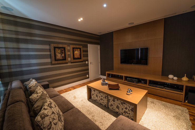 Modern Media Room by Juliana Stefanelli Arquitetura e Design Modern