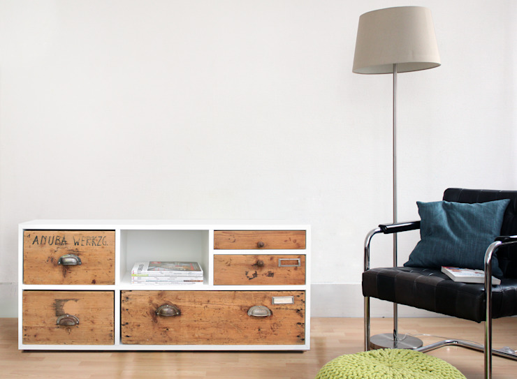 de estilo  por Zweitform, Moderno Derivados de madera Transparente