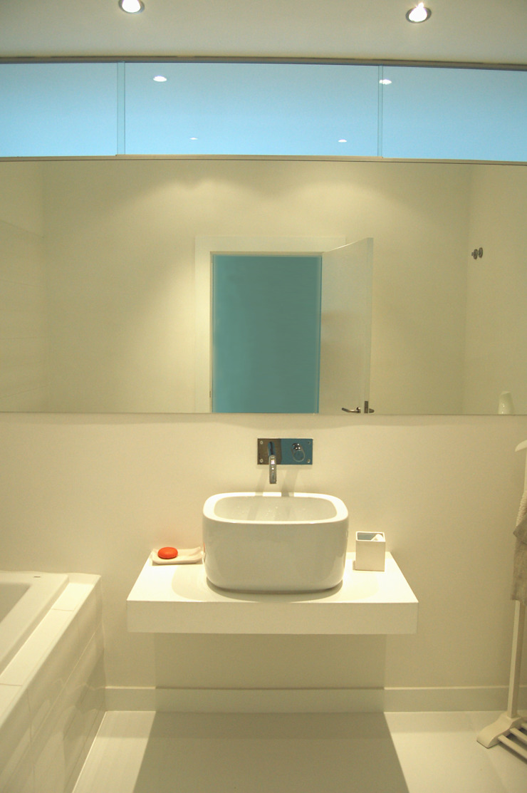 Baños de estilo moderno de Borges de Macedo, Arquitectura. Moderno