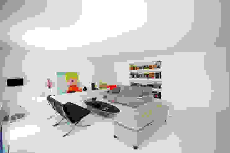 Renovação de apartamento na Junqueira: Salas de estar  por Borges de Macedo, Arquitectura.