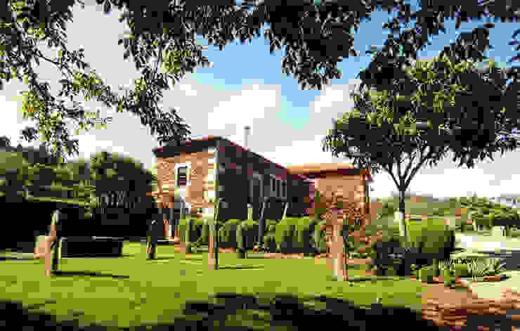 Quinta da Cantareira: Casas  por Borges de Macedo, Arquitectura.