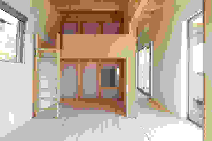 屋島の家 モダンデザインの 子供部屋 の 向山建築設計事務所 モダン