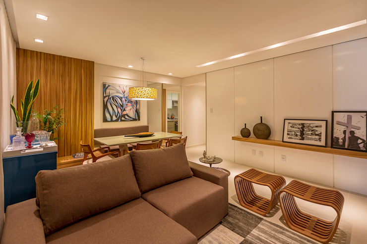 Salas de estilo moderno de Flávio Monteiro Arquitetos Associados Moderno Madera Acabado en madera