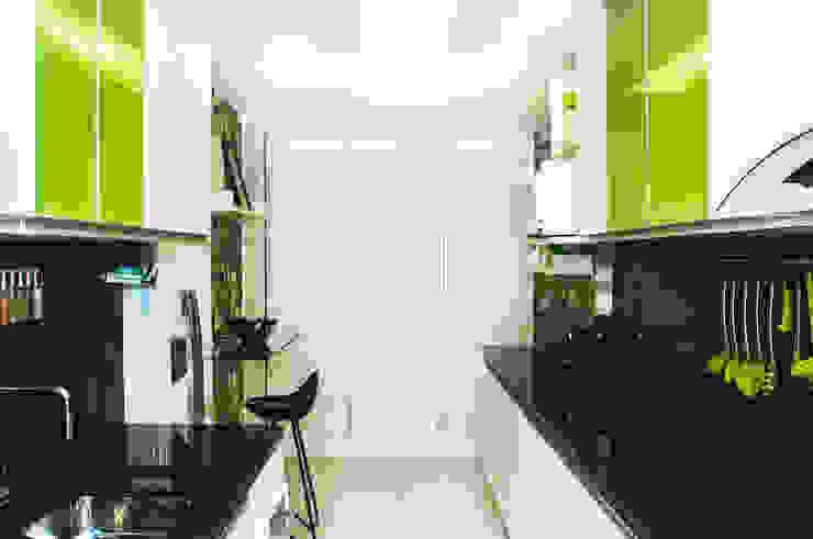 COZINHA MODERNA Cozinhas modernas por AVNER POSNER INTERIORES Moderno