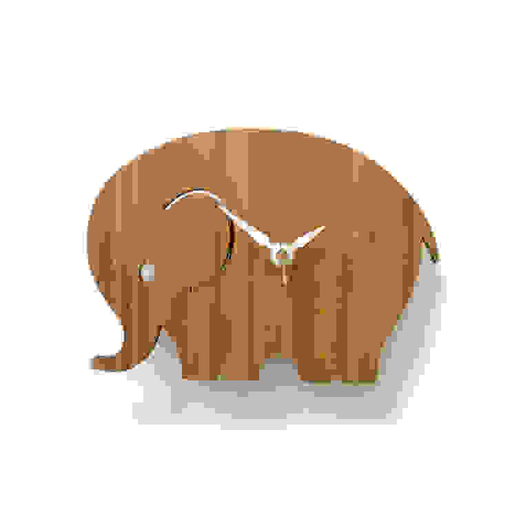 디코이랩 아기코끼리 우드 벽시계(Decoylab Elephant Wall Clock Small): Brillian Co.의 스칸디나비아 사람 ,북유럽 대나무 녹색