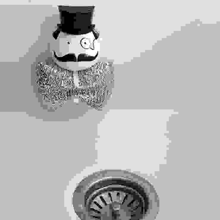 벨렉 디자인 미스터 스폰지 홀더/ 수세미 걸이(Peleg Design Mr. Sponge Holder): Brillian Co.의  주방