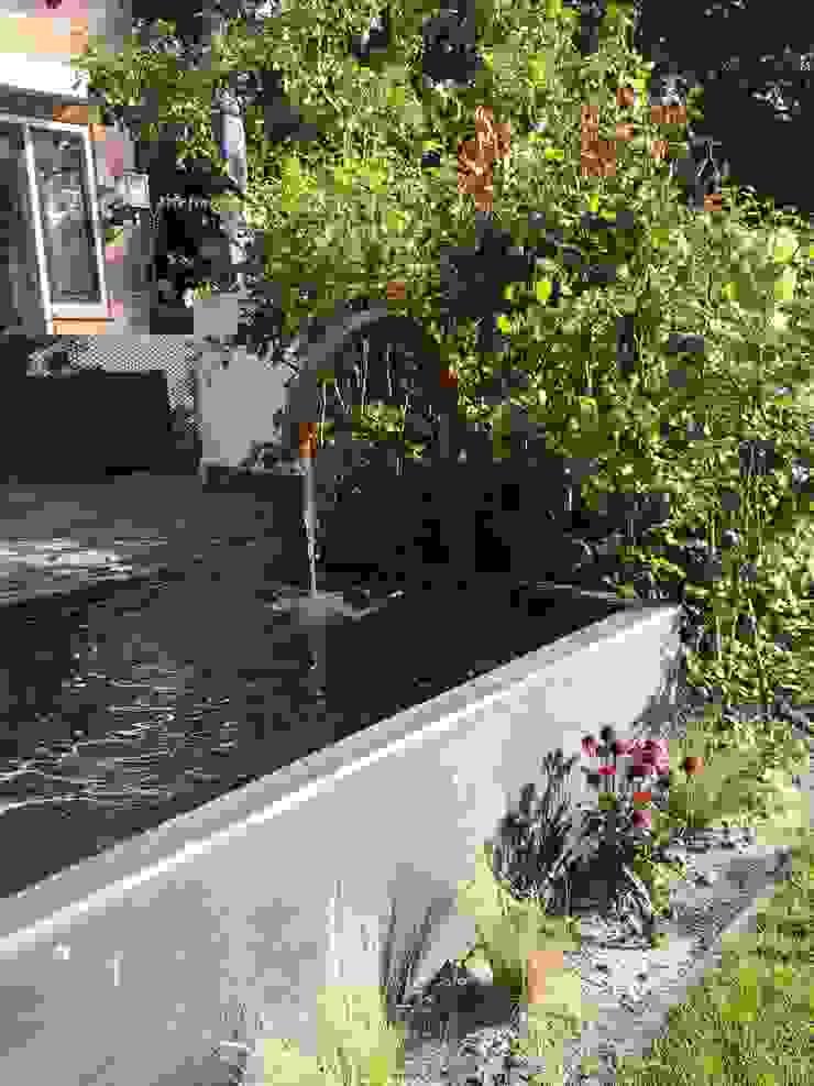 koperkleurige waterelementen Biesot Moderne tuinen